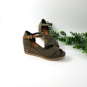 Chaussures-traces-Sandales-compensées-kaki