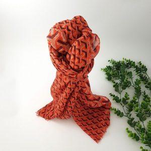 chaussures-traces-Foulards-ByO-orange-motifs-geometriques