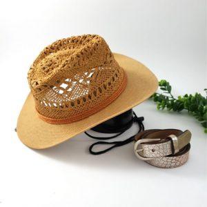 chaussures-traces-Panama-camel-motif- crochet