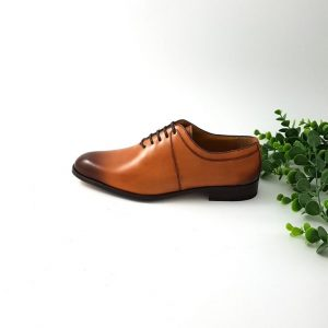 chaussures-traces-alexander-bennett-derbies-cognac