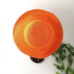 chaussures-traces-chapeaux-byo-paille-orange