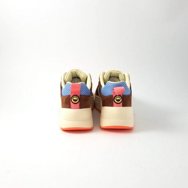Chaussures-traces-Scotch-and-soda-sneakers-en-daim-Celest-rose-jean-beige